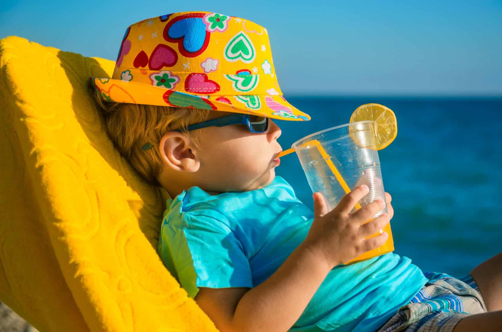 Photo of Çocuğunuzu güneşten korurken tamamen kaçırmayın