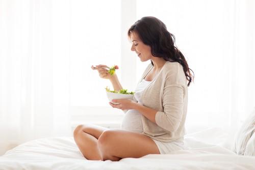Photo of Gebelik döneminde ne yemeli, ne yememeli?