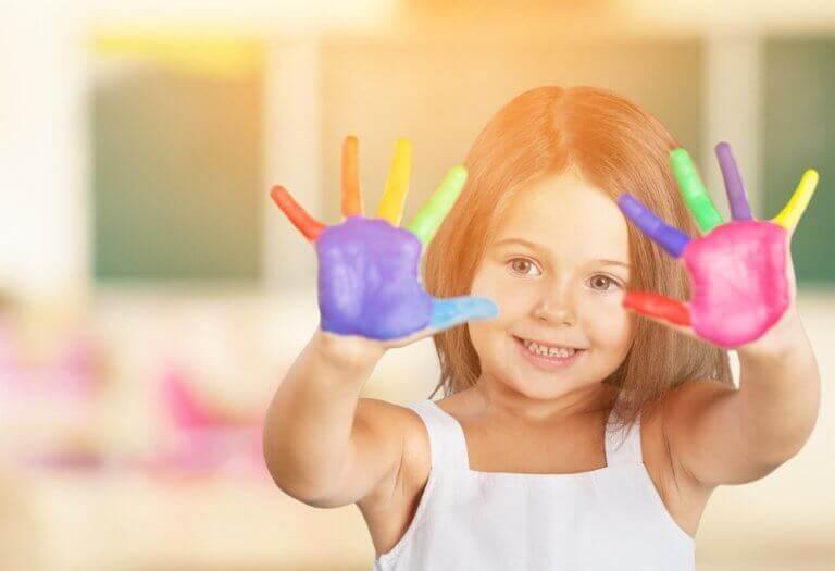 Photo of Renklerin Çocuklar Üzerindeki Etkileri