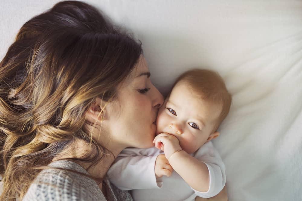 Photo of Anneler Günü Nedir? Anneler Gününün Hikayesi