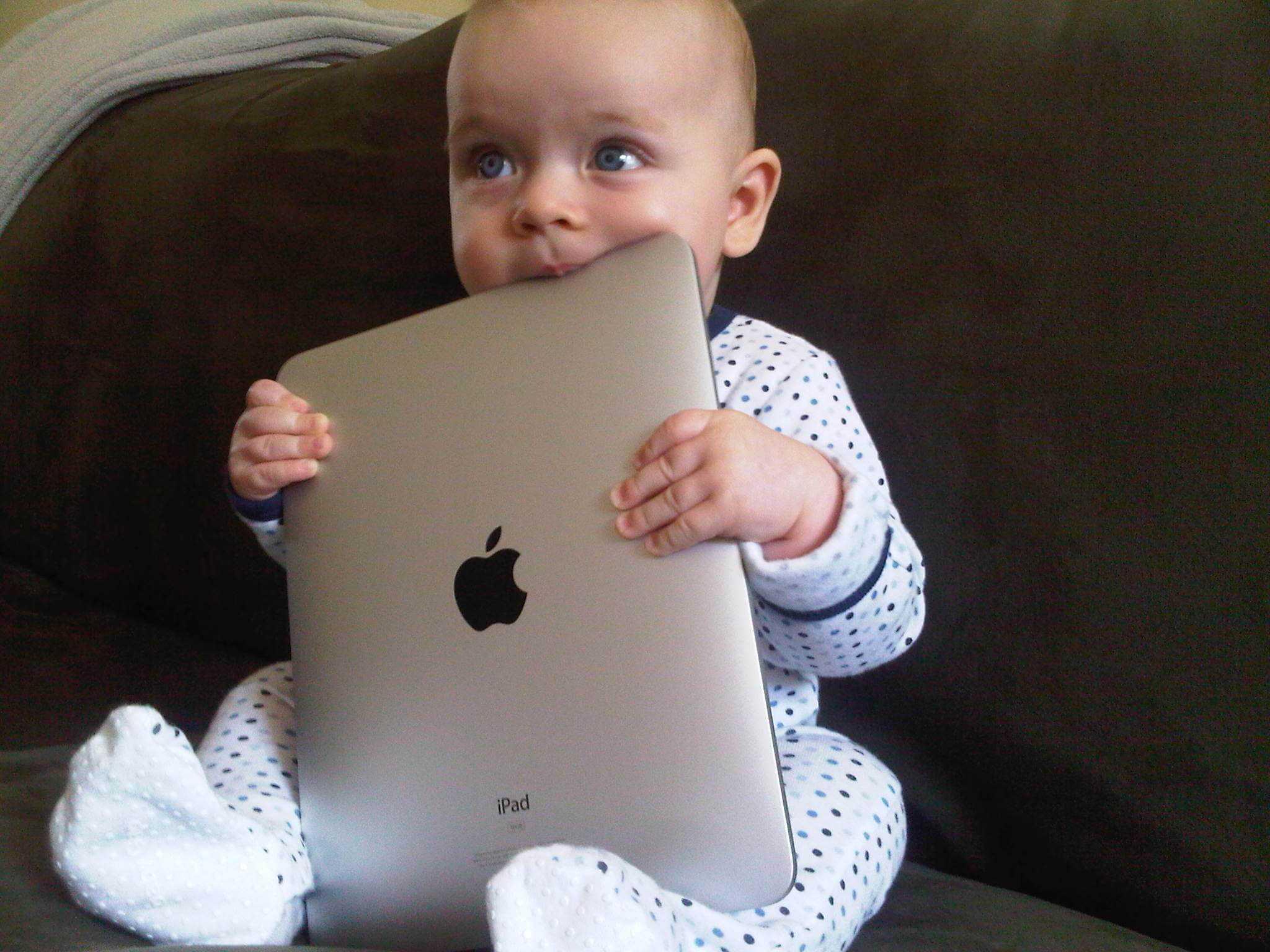 Photo of Tablet ve televizyonlar günümüzün çocuk bakıcıları adayı!