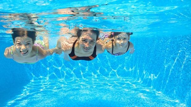 Photo of Yüzmek astıma iyi geliyor!