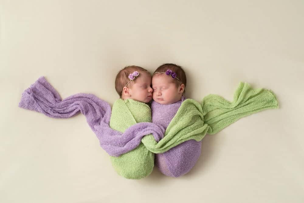 ikiz-bebekler