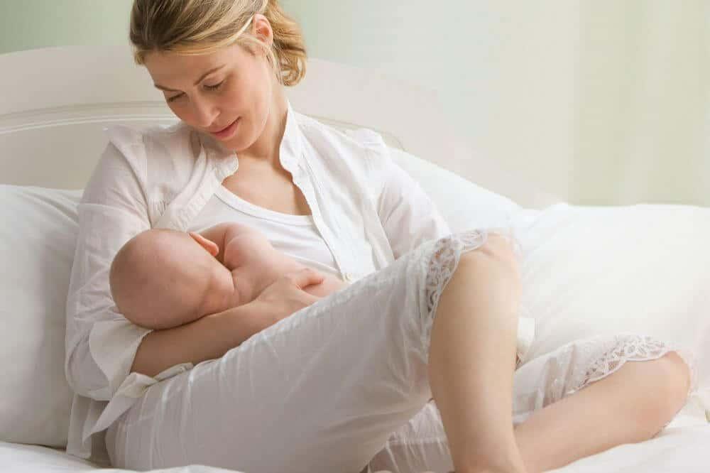 Photo of Doğum Sonrası Bebek Emzirme Rehberi