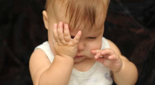 Photo of Çocuğunuz Gözlerini Çok Ovuyor Veya Kırpıyor Mu?