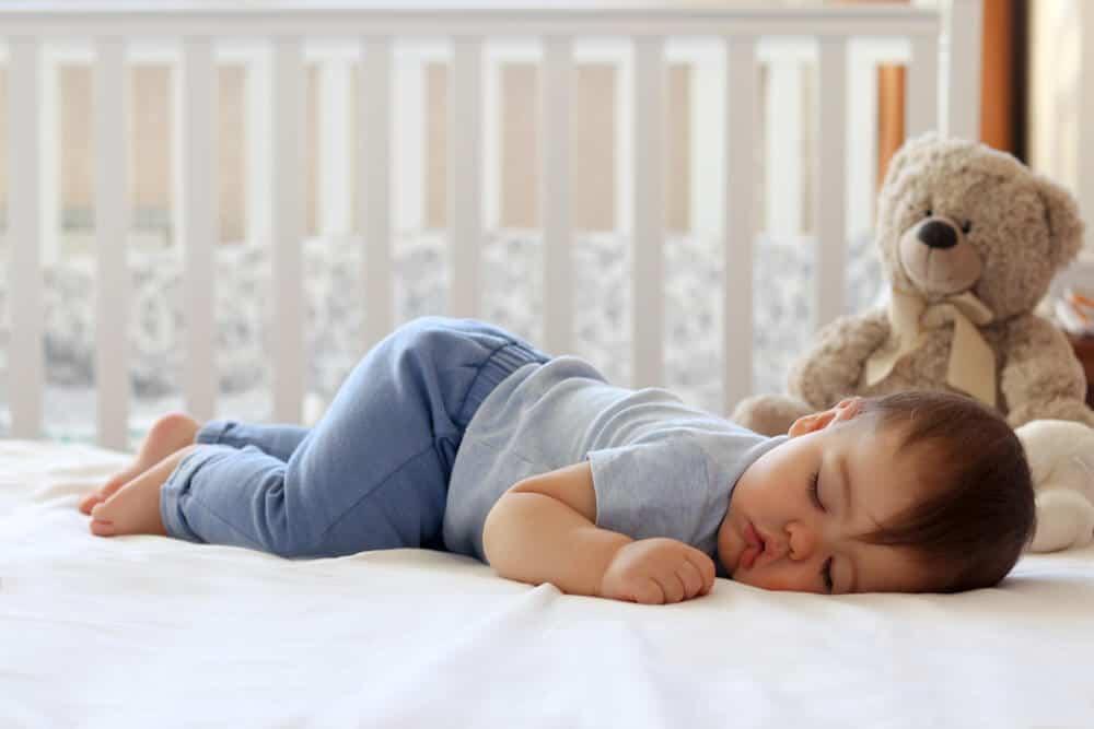 Bebeğiniz Nasıl Tek Başına Uyur?