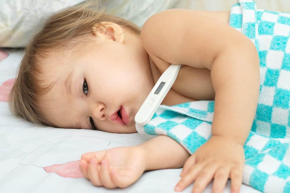 Photo of Bebeğinizin Ateşi Çıktığında Bunları Yapmalısınız!