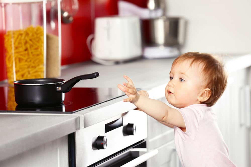 Photo of Bebeğinizi Bekleyen Tehlikeler!