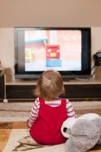 bebekler-ve-televizyon
