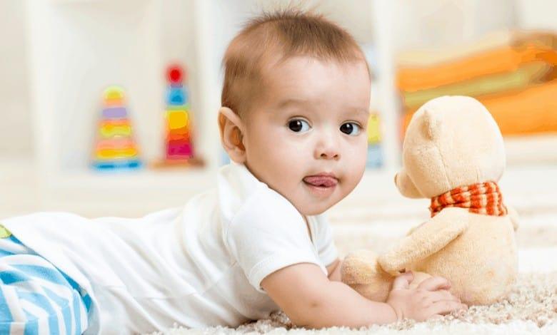 1-yas-bebekler-icin-evde-etkinlik-onerileri