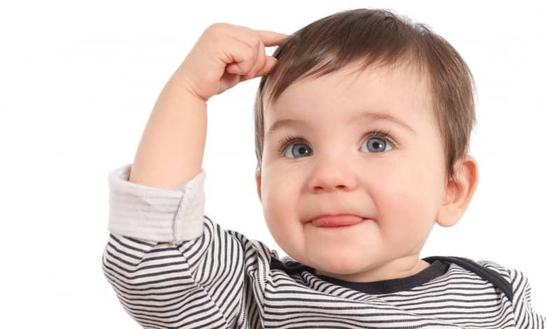 bebeklerde-sac-cekme-huyu-trikotillomani