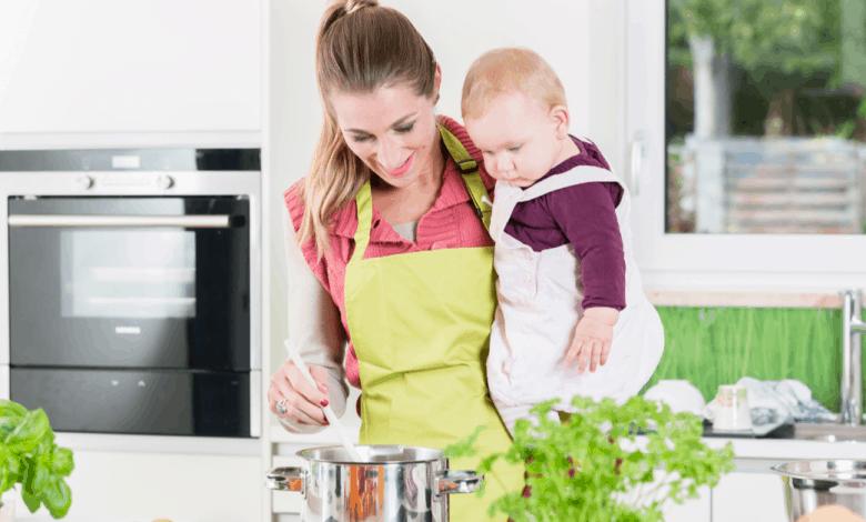 bebekler-icin-saglikli-yemek-pisirme-teknikleri