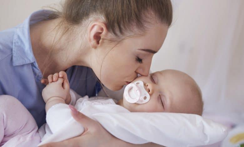 yenidogan-bebeklerde-refleks-davranislar