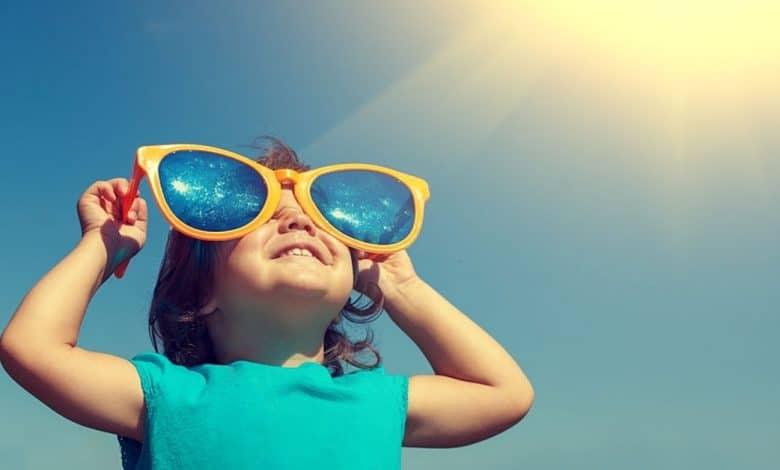 Bebeklerde Güneş Gözlüğü