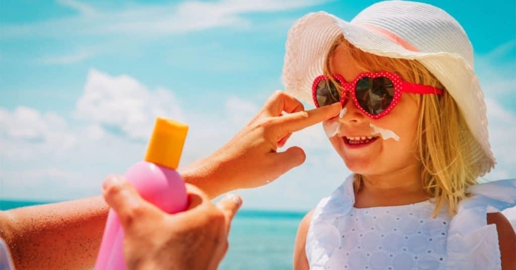 Bebeklerde Güneş Gözlüğü Kullanımı