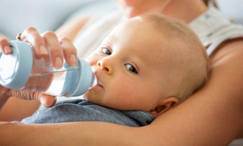 bebeklere-su-ne-zaman-verilebilir