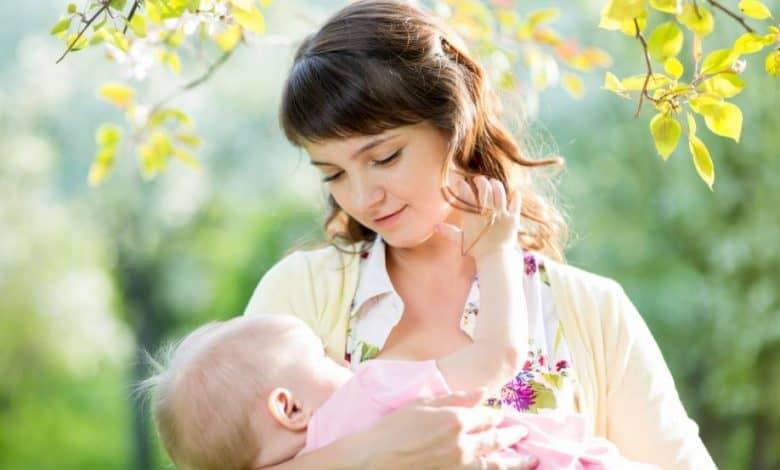 Bebeğimi Kaç Yaşına Kadar Emzirmeliyim?