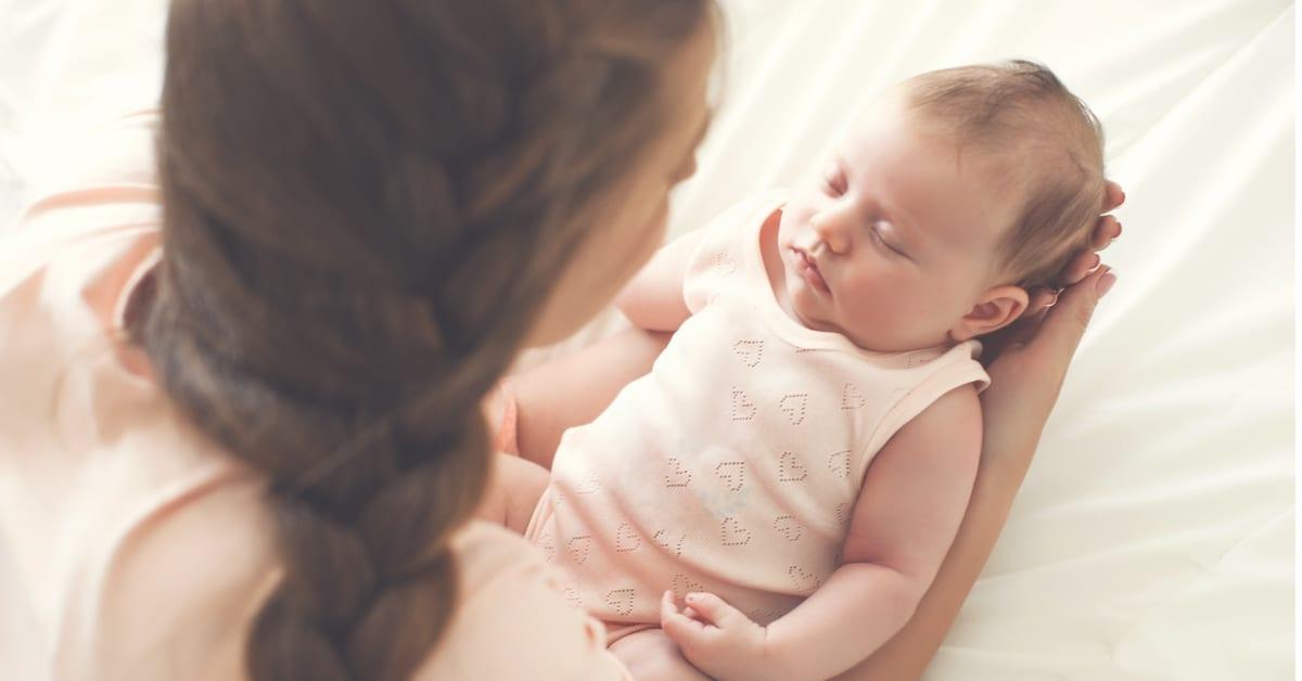 Yenidoğan Bebeğin Günlük Rutini